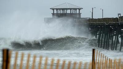 Pronostican que el huracán Florence causará una marejada ciclónica de hasta 13 pies en Carolina del Norte