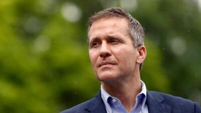 Renuncia el gobernador republicano de Missouri en medio de un escándalo sexual y la amenaza de un juicio político