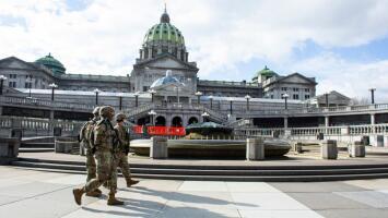 Capitolios de EEUU están bajo medidas de seguridad extremas luego de que el FBI advirtiera de posibles ataques
