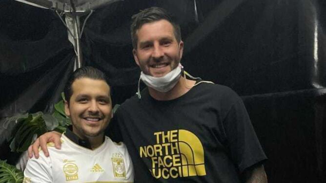 Jugadores de Tigres se divierten en conciertazo de Christian Nodal