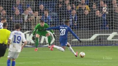 Tercero del Chelsea para terminar de hundir al Dinamo en Stamford Bridge