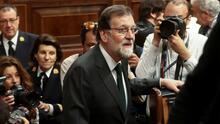 En un minuto: Por primera vez en la historia destituyen al presidente español por casos de corrupción