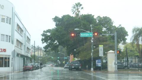 Pronostican lluvia ligera y algunos chubascos en Miami para este lunes