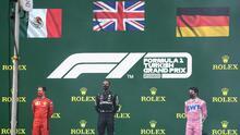 Ondea bandera de Alemania sobre Sergio Pérez en GP de Turquía