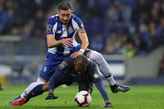 En fotos: Porto supera 3-0 al Belenenses con participación de Herrera y Corona