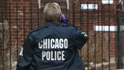 Arrestan a tres adolescentes por presuntamente disparar contra policías de Chicago