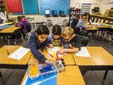 Estudiantes avanzan casi un año en términos académicos solo con que les retrasen la hora de entrada a la escuela