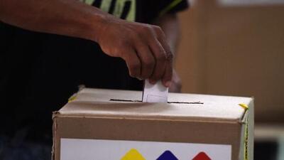 Gobierno de Venezuela cambia al menos 200 centros de votación a horas de las elecciones regionales