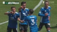 ¡Toma el papel de goleador! Oswaldo Alanís marca de penal el 1-0