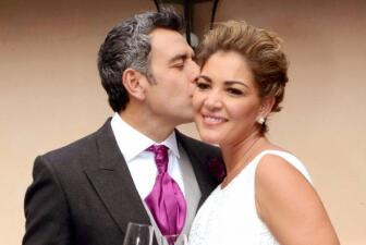 ¡Héctor Sandarti se casó con Paulina Segura!