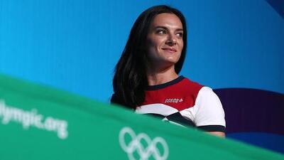 Yelena Isinbáyeva: se va la atleta, llega la política