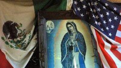 Hispanos festejan previamente el dia de la Virgen de Guadalupe en iglesias de Chicago.