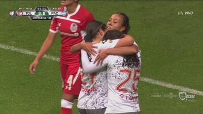 ¡Goool de Pachuca! Ana Paola centra y Sanjuana Muñoz abre el marcador
