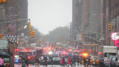 Muere el piloto de un helicóptero que se estrelló en el techo de un edificio de Manhattan