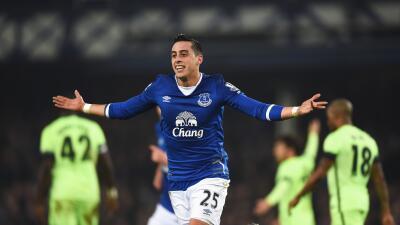 Funes y Lukaku acercan a Everton a la final de Copa de Liga de la que se aleja el Man-City