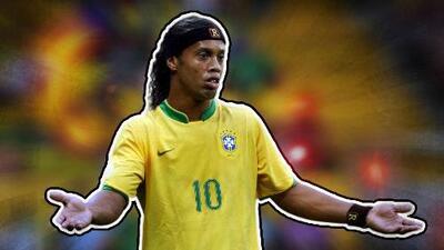 Ronaldinho sigue culpando a Roberto Carlos de la eliminación de Brasil en 2006