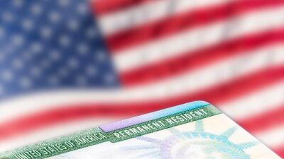 Inmigración Al Día: Errores en documentos oficiales podrían afectarte al viajar