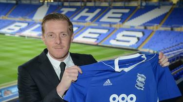 Fanático del Birmingham se tatúa la cara del entrenador en el trasero