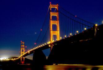 Un escenario de protestas, películas y míticas fotos: el imponente puente Golden Gate cumple 82 años