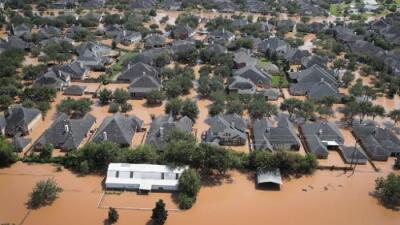 Harvey deja 100,000 casas afectadas y el gobierno pedirá fondos para emergencias