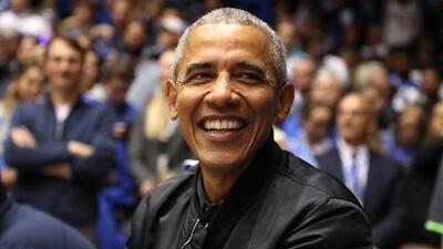 Mira el video de Barack Obama sorprendiendo a niños en un centro deportivo en Washington D.C.