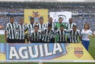 Atlético Nacional gana y toma el liderato en Colombia