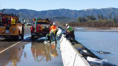 Reabren la Carretera 37 en Novato tras permanecer varios días inundada