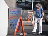 """Funcionario republicano de Arizona critica los """"infundios desquiciados"""" de Trump sobre el inexistente fraude"""