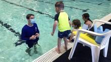 Valley of the Sun YMCA ofrece clases de natación gratuitas para niños, adolescentes y adultos