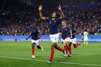 En fotos: Con una 'manita' Francia vence a Nigeria por la mínima diferencia