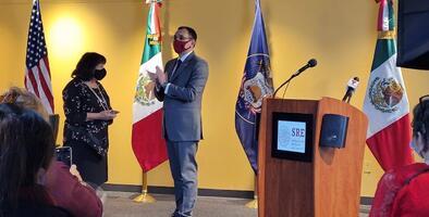 Gobierno de México premia a líder del Centro Cívico Mexicano de Utah