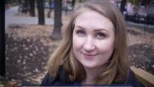 Encuentran muerta a mujer estadounidense en Rusia y arrestan a un hombre en el caso