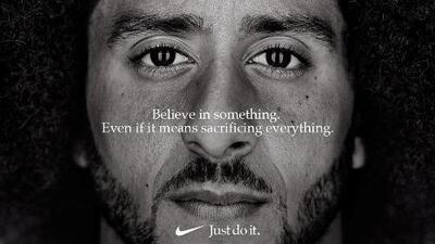 """""""Cree en algo. Aunque eso signifique sacrificarlo todo"""": el contrato publicitario entre Nike y Colin Kaepernick que desató furia"""