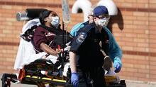 ¿Por qué el coronavirus está golpeando más fuerte a negros e hispanos?