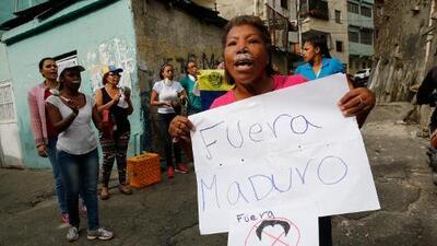 Arrestan a efectivos militares de la Guardia Nacional que se sublevan contra el gobierno de Nicolás Maduro