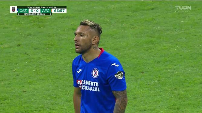 ¡GOL!  anota para Cruz Azul. Walter Montoya