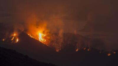 Incendio 'Whittier' en California sería más grande que el área de Manhattan, según experto