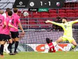 Edson Álvarez salva al Ajax de la derrota ante el Utrecht