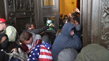 El FBI ha arrestado a ocho personas en Nueva York que participaron en el asalto violento al Capitolio