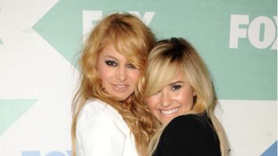 Paulina Rubio y Demi Lovato cantan juntas en un concierto inolvidable en México