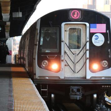 Policía busca dar con pareja que tuvo sexo en la plataforma del subway frente a otros pasajeros