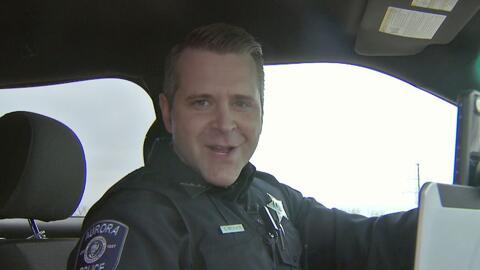 El policía de Aurora que se una volvió sensación en las redes sociales por sus transmisiones en vivo