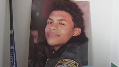 Conmemoran un año del asesinato a machetazos del joven 'Junior' Guzmán en una bodega de El Bronx