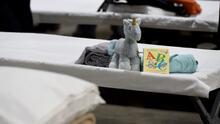 Libros, juegos y ropa: esto es lo que tendrán disponible los niños migrantes en el albergue de Long Beach