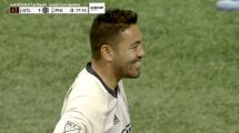 Marco Fabián acaricia el empate con un peligroso disparo que roza el palo