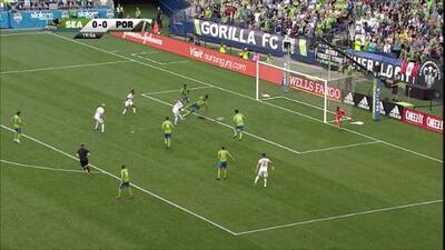Brian Fernández se estrena en el clásico más grande de la MLS y adelanta a Portland