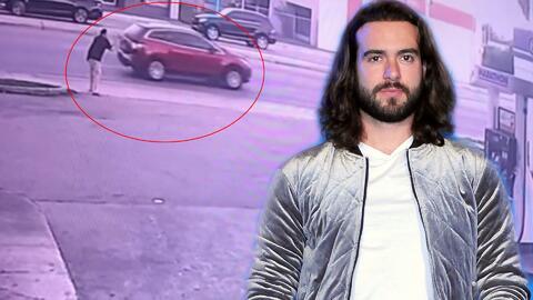 Este es el momento en que un hombre le toma la foto al carro donde iba Pablo Lyle tras abandonar el incidente