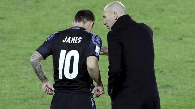 La sonrisa de Zidane al señalar que cuenta con James en el Madrid