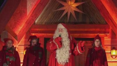 Santa Claus sale de Finlandia para hacer su recorrido por el mundo repartiendo regalos a los niños