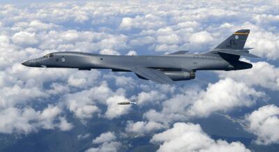 En fotos: Ejercicios militares de aviones de combate de EEUU en Corea a mediados de septiembre